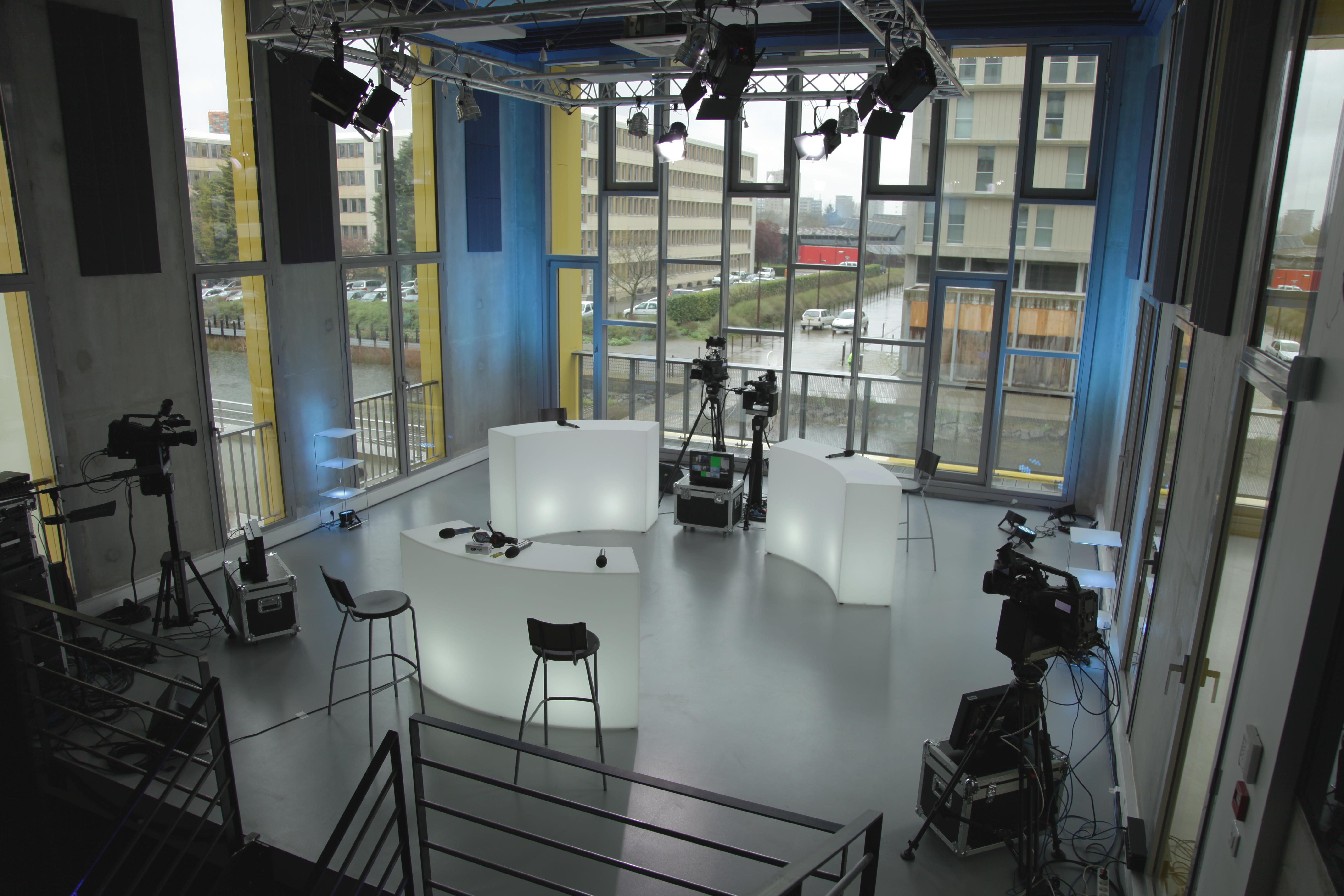Les grands débats des municipales 2014 à Nantes enregistrés aux Studios de l'Île